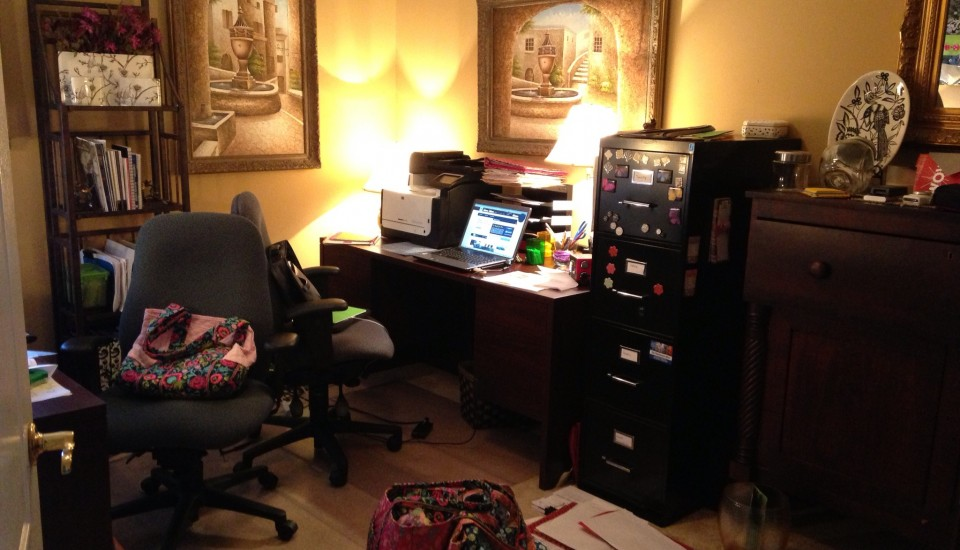 cluttered office 02
